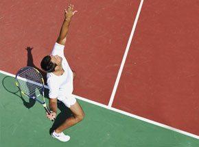 Мастер-класс большого теннисаПодарочные сертификаты<br>Шаг-удар-шаг-удар! Большой&amp;nbsp;теннис - очень техничный спорт, требующий большой концентрации внимания. Чья реакция окажется быстрее, покажет лишь серия из нескольких партий!<br>