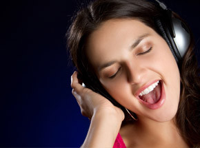Стань звездойПодарочные сертификаты<br>До сих пор вы привыкли петь в душе, где вас никто не услышит? Раскройте свой талант – запишите любимые песни в профессиональной студии звукозаписи. В вашем распоряжении будет более 10000 песен на выбор, профессиональный звукорежиссер, современное студийное оборудование – все, чтобы вы смогли почувствовать себя суперзвездой! Диск с песней останется вам как память о прекрасных и незабываемых моментах.<br>